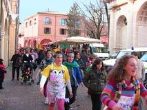 Muchachas en traje del carnaval fotos de archivo