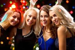 Muchachas felices en una Navidad Imagenes de archivo
