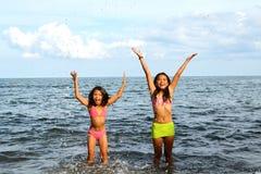 Muchachas Joy Inside The Water Foto de archivo