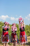 Muchachas que presentan durante el festival de la cosecha de Rose en Bulgaria Imagenes de archivo