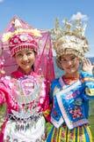 Muchachas étnicas chinas en alineada tradicional Fotografía de archivo