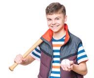 Muchacho adolescente con el bate de béisbol Fotos de archivo
