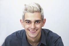 Muchacho adolescente con el pelo blanco Imagen de archivo libre de regalías
