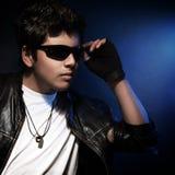 Muchacho adolescente con estilo Foto de archivo