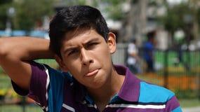 Muchacho adolescente confuso Foto de archivo