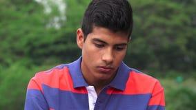 Muchacho adolescente deprimido y solo triste Fotos de archivo libres de regalías