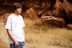 Muchacho adolescente en naturaleza Imágenes de archivo libres de regalías