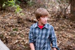 Muchacho adolescente joven al aire libre Fotografía de archivo libre de regalías