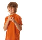 Muchacho adolescente joven confidente Fotos de archivo