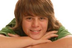 Muchacho adolescente joven feliz Foto de archivo