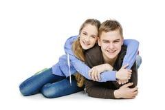 Muchacho adolescente y muchacha que toman la foto del selfie Imágenes de archivo libres de regalías
