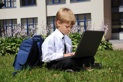 Muchacho con el cuaderno Foto de archivo libre de regalías