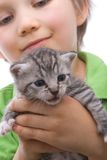 Muchacho con el gato Imagen de archivo
