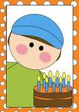 Muchacho con la torta de cumpleaños Imagen de archivo