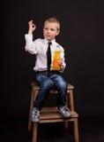 muchacho con limonada Foto de archivo