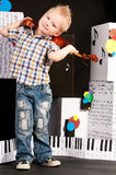 Muchacho con un violín Foto de archivo libre de regalías