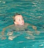 Muchacho de la natación imágenes de archivo libres de regalías