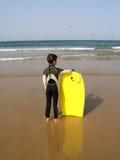 Muchacho de la persona que practica surf Imágenes de archivo libres de regalías