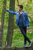 Muchacho del adolescente al aire libre Imagenes de archivo