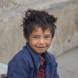 Muchacho del mendigo en Leh, la India Imagen de archivo libre de regalías