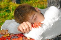 Muchacho durmiente Foto de archivo