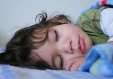 Muchacho durmiente hermoso imagen de archivo libre de regalías