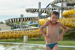 Muchacho en aquapark Fotografía de archivo