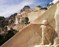 Muchacho en las montañas de mármol Imágenes de archivo libres de regalías