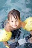 Muchacho en piscina Foto de archivo libre de regalías