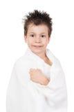 Muchacho en toalla con el pelo mojado Imagenes de archivo