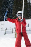 Muchacho en una elevación de esquí foto de archivo libre de regalías