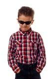 Muchacho enojado con las gafas de sol Foto de archivo