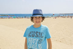 Muchacho feliz en Barcelona Foto de archivo libre de regalías