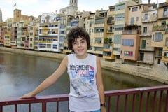 Muchacho feliz en Girona, España Fotografía de archivo libre de regalías