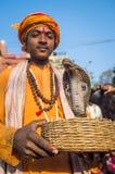 Muchacho indio con la cobra Imagenes de archivo