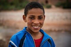 Muchacho joven como se ve en Ait Ben Haddou fotografía de archivo libre de regalías