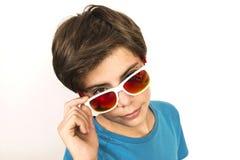 Muchacho joven con las gafas de sol Fotografía de archivo
