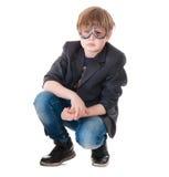 Muchacho joven con los vidrios experimentales Foto de archivo