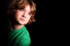Muchacho joven lindo foto de archivo