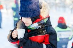 Muchacho lindo al aire libre el invierno Fotografía de archivo libre de regalías