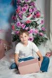 Muchacho lindo de la Navidad fotografía de archivo libre de regalías