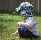 Muchacho lindo en el sombrero de Sun imágenes de archivo libres de regalías