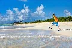 Muchacho lindo en la playa Fotos de archivo libres de regalías