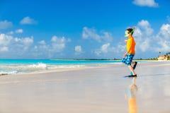 Muchacho lindo en la playa Imagenes de archivo