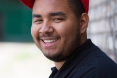 Muchacho negro joven sonriente Foto de archivo libre de regalías