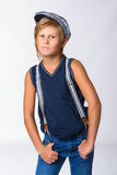 Muchacho o adolescente rubio lindo en casual de media longitud Imagenes de archivo