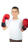Muchacho orgulloso con los guantes de boxeo Fotos de archivo libres de regalías