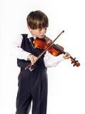 Muchacho pelirrojo del preescolar con el violín Imágenes de archivo libres de regalías