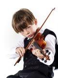 Muchacho pelirrojo del preescolar con el violín Fotografía de archivo
