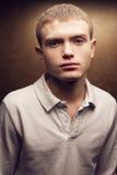 Muchacho pelirrojo hermoso del adolescente con las manchas lindas Foto de archivo libre de regalías
